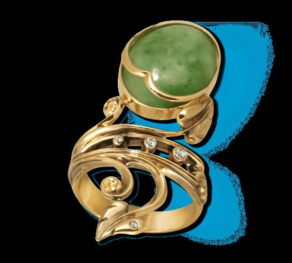 Золотое кольцо с китайским нефритом