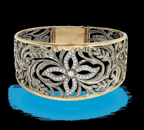 Широкий золотой браслет с бриллиантами